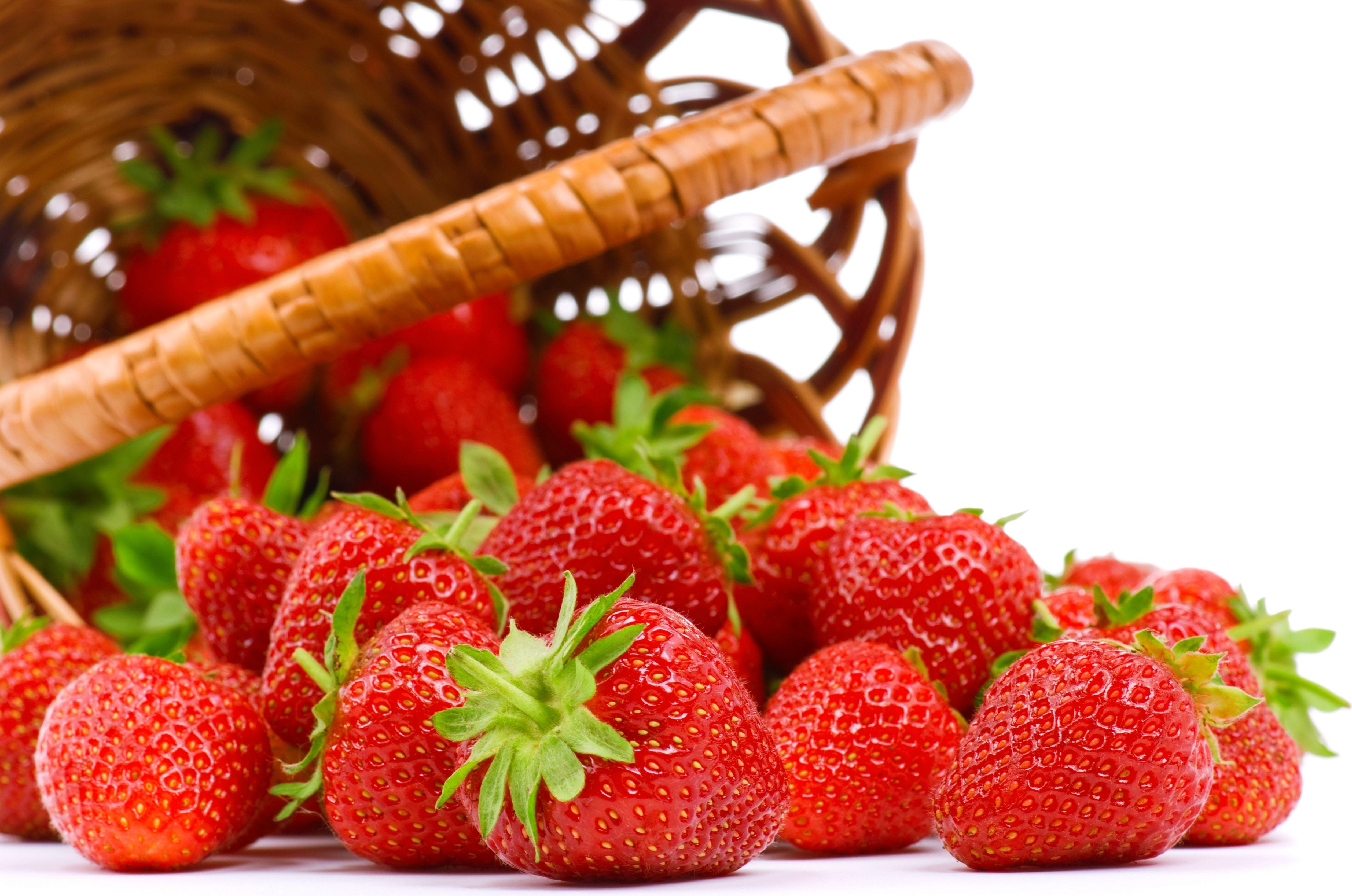 """صورة الفراولة تتصدر قائمة الأطعمة """"المخزنة"""" للمبيدات الحشرية"""