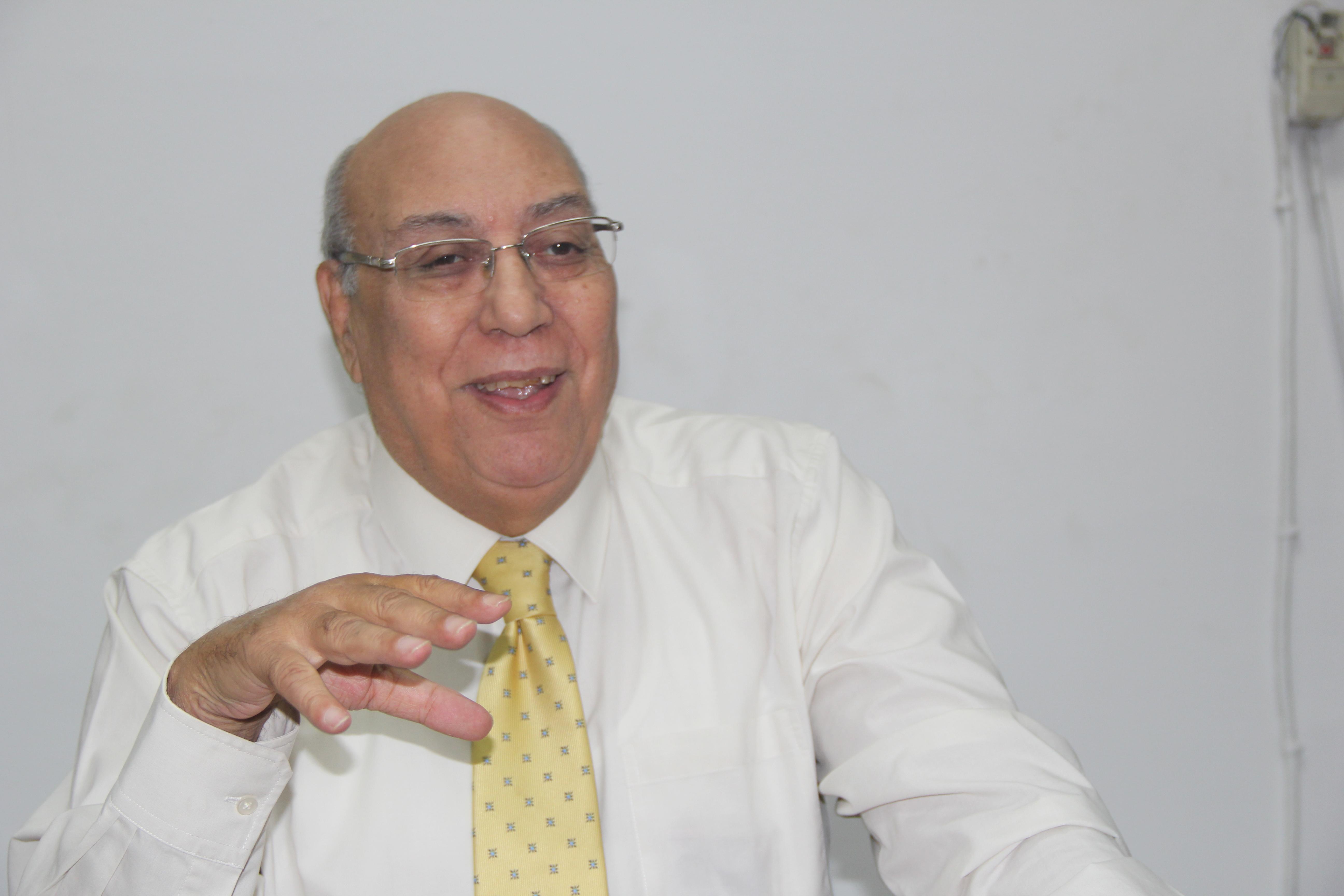 صورة الدكتور محمد عبدالمجيد رئيس لحنة المبيدات : نصيب المواطن المصري100 جرام من المبيدات وهو رقم متناهي في الصغر