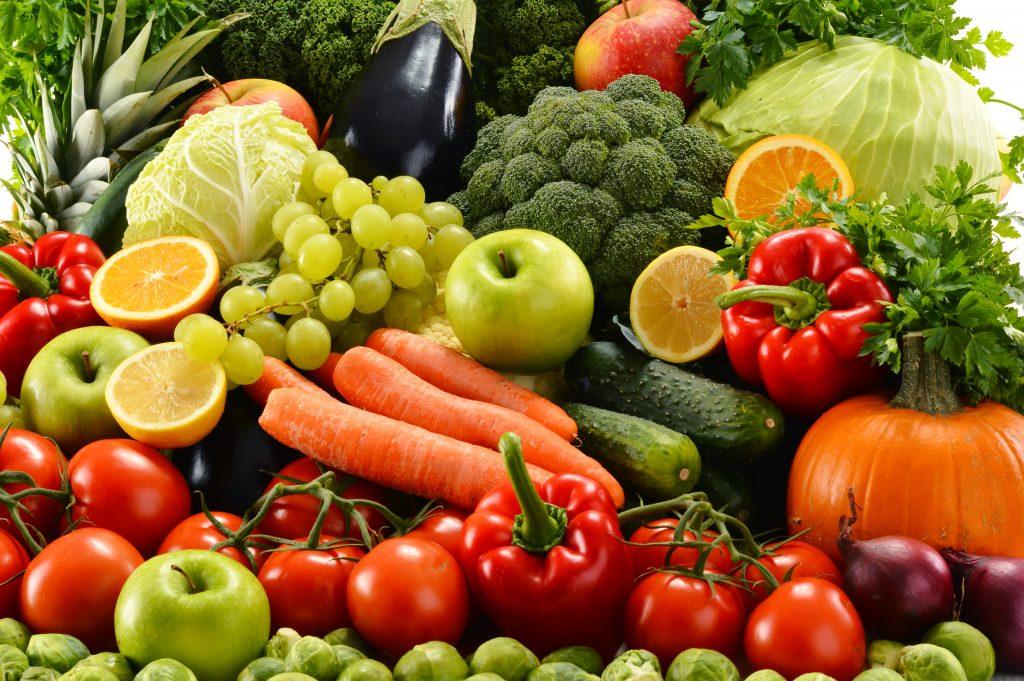 صورة إستراتجيات المقاومة الطبيعية للآفات الزراعية في محاصيل الخضر والفاكهة