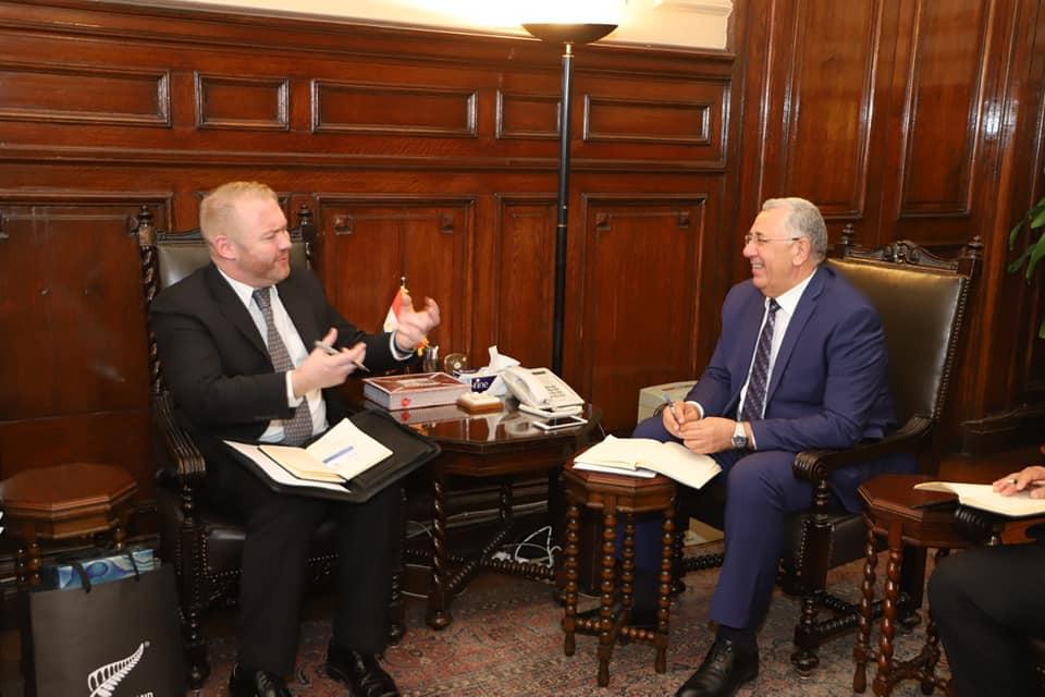 صورة القصير يبحث مع السفير النيوزيلندي تكثيف التعاون بين البلدين